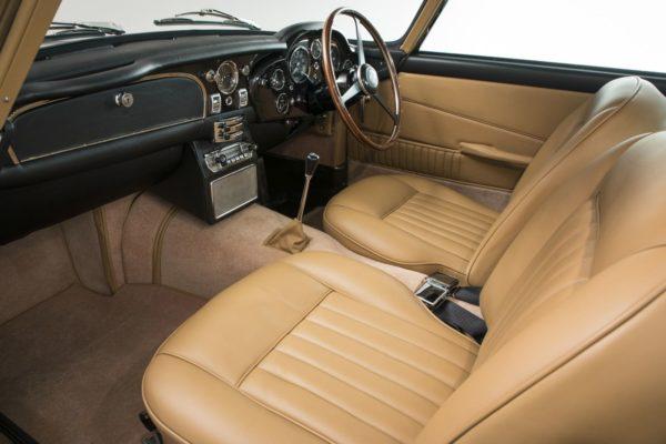 Aston-Martin-DB5-Sale-7-600x400