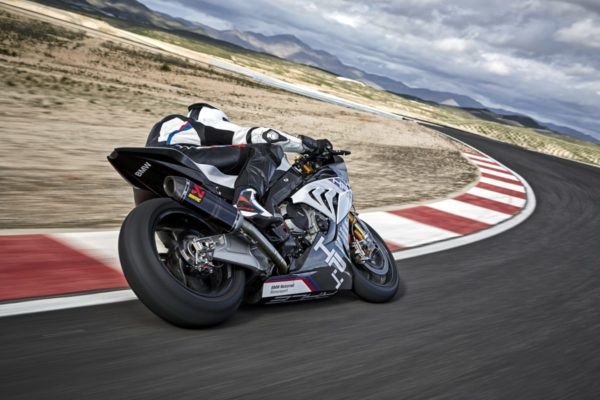 BMW-HP4-RACE-27-600x400