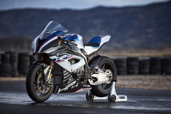BMW-HP4-RACE-41-600x400