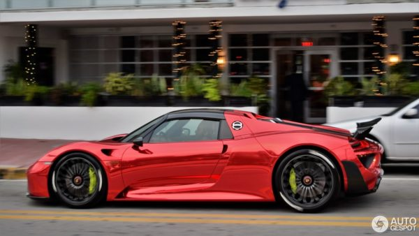 Chrome-Red-Porsche-918-Spyder-With-Weissach-Package-2-600x338