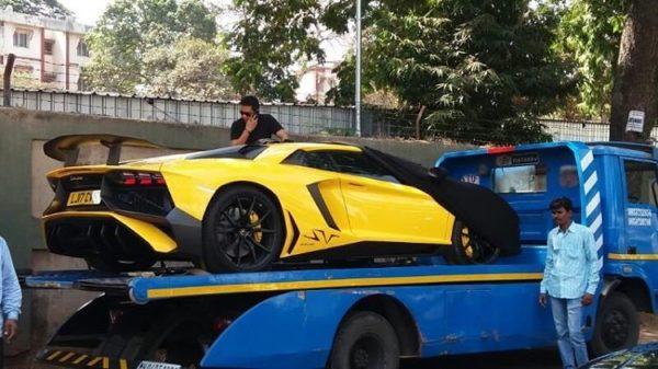 Gautam-Singhania-Lamborghini-Aventador-SV-Mumbai-1-600x337