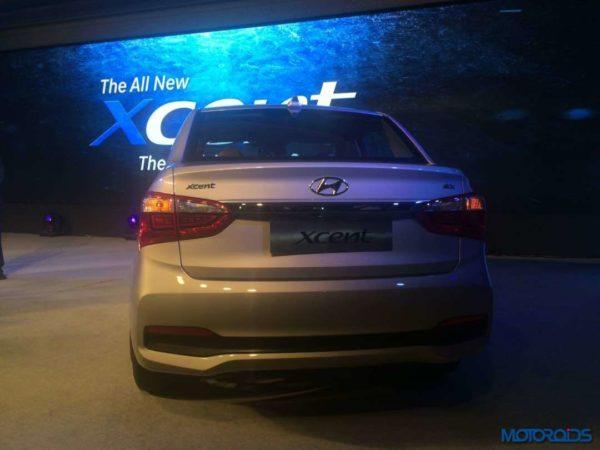 Hyundai-Xcent-facelift-launch-26-600x450