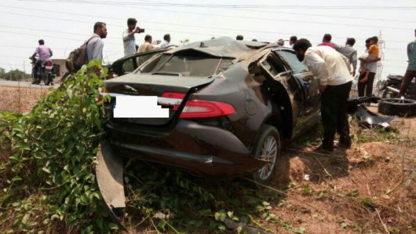 Jaguar XF Crash Buffalo Shimoga (3)