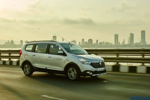 April 10, 2017-Renault-Lodgy-Stepway-Night-Drive-Mumbai-11-600x400.jpg