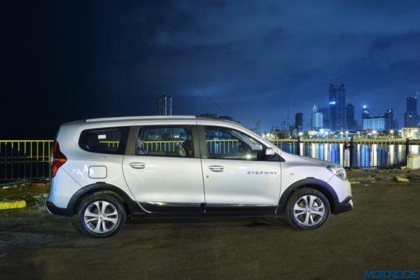 April 10, 2017-Renault-Lodgy-Stepway-Night-Drive-Mumbai-13-600x400.jpg