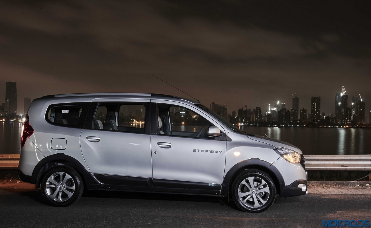 Renault Lodgy Stepway Night Shot