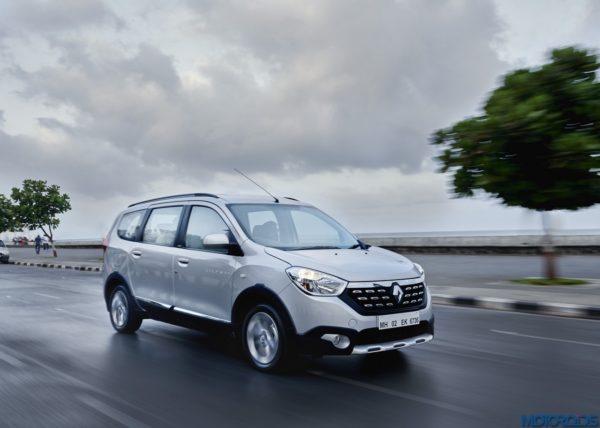 Renault Lodgy Stepway Night Drive Mumbai Worli Seaface (2)