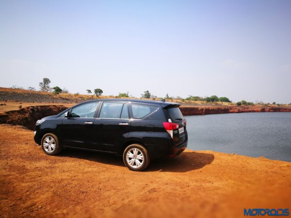 Toyota-Innova-Crysta-Travelogue-5-600x450