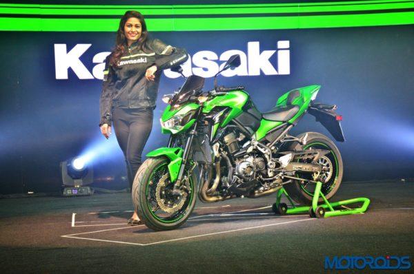 2017-Kawasaki-Z900-First-Ride-Review-18-600x398