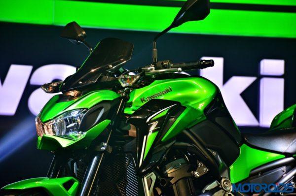 2017 Kawasaki Z900 First Ride Review - Headlight