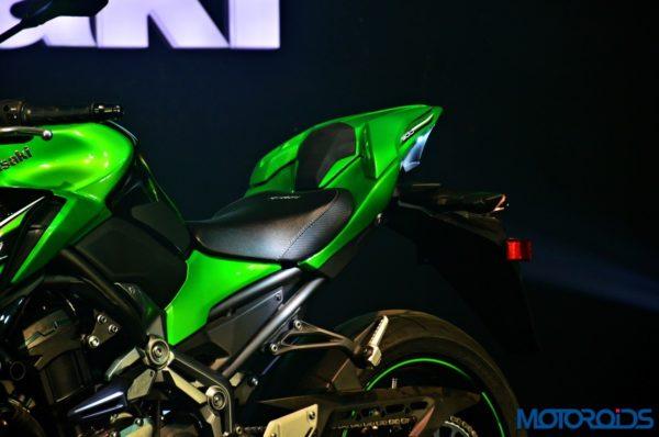 2017 Kawasaki Z900 First Ride Review - Saddle