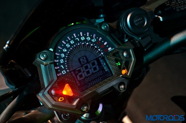 2017 Kawasaki Z900 First Ride Review - Instrument Console