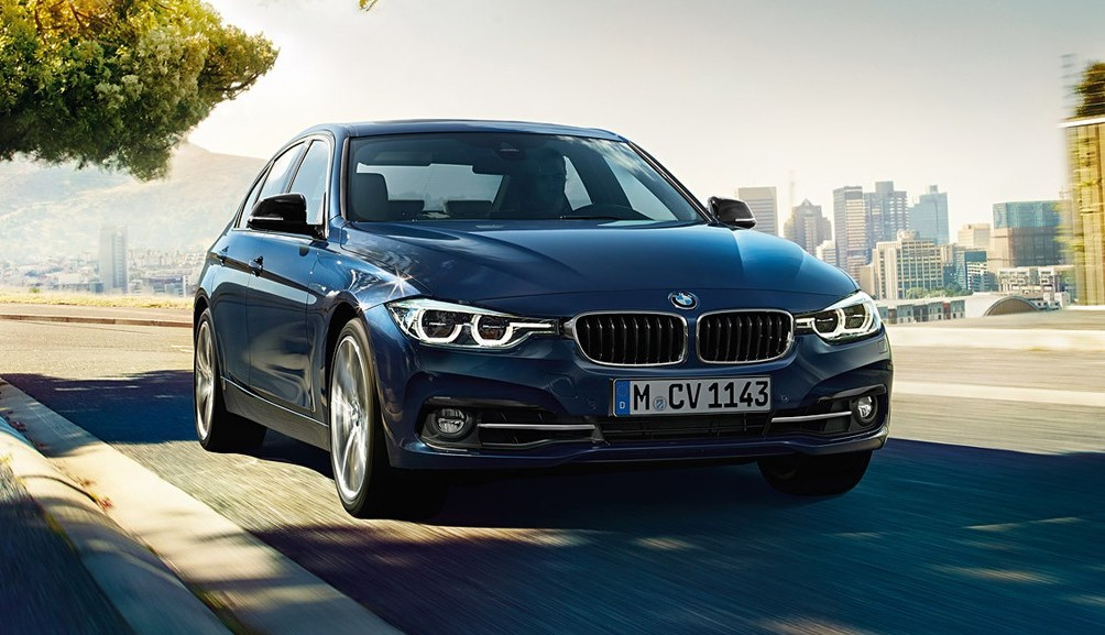 official new bmw 330i launched in india prices start at inr 42 4 lakh motoroids. Black Bedroom Furniture Sets. Home Design Ideas