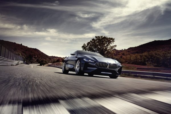 BMW-8-Series-Concept-Unveiled-11-600x400