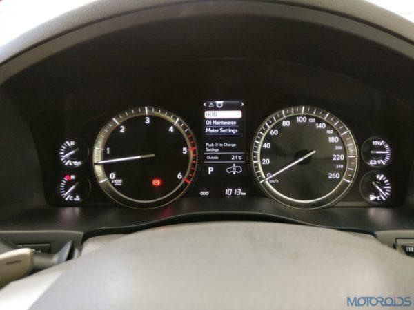 Lexus LX 450d - The instrument cluster