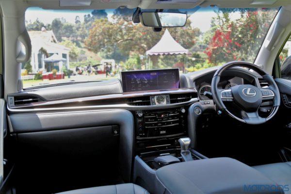Lexus LX 450d - Dashboard - Climate control system - Lexus Climate Concierge