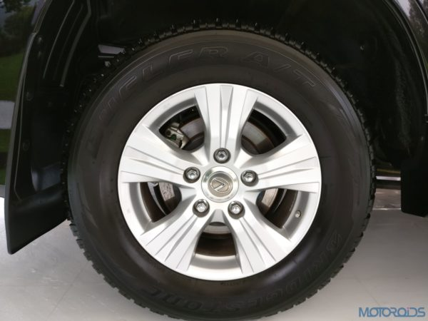 Lexus LX 450d - Alloy Wheels