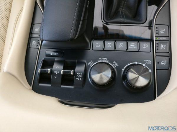 Lexus LX 450d - crawl control system