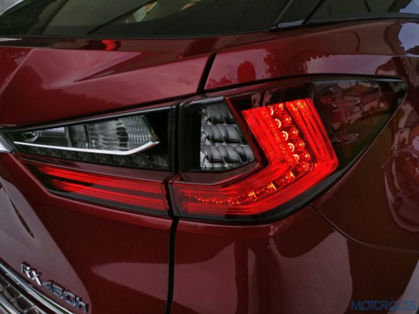 Lexus RX 450h - tail light