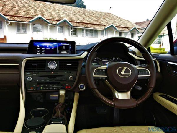 Lexus RX 450h - Mark Levinson stereo system