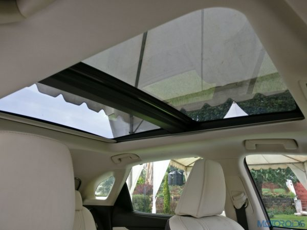 Lexus RX 450h - panoramic roof