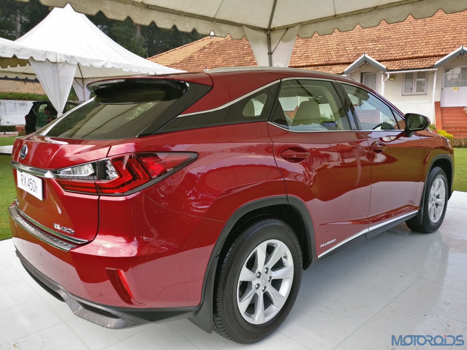 lexus rx 450h review first drive tech exposition. Black Bedroom Furniture Sets. Home Design Ideas