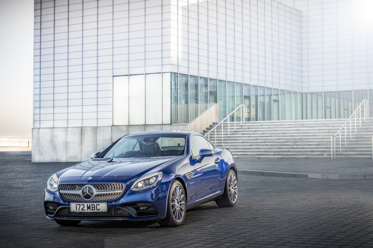 Mercedes benz extends slc range with slc 180 and slc 180 for Slc mercedes benz