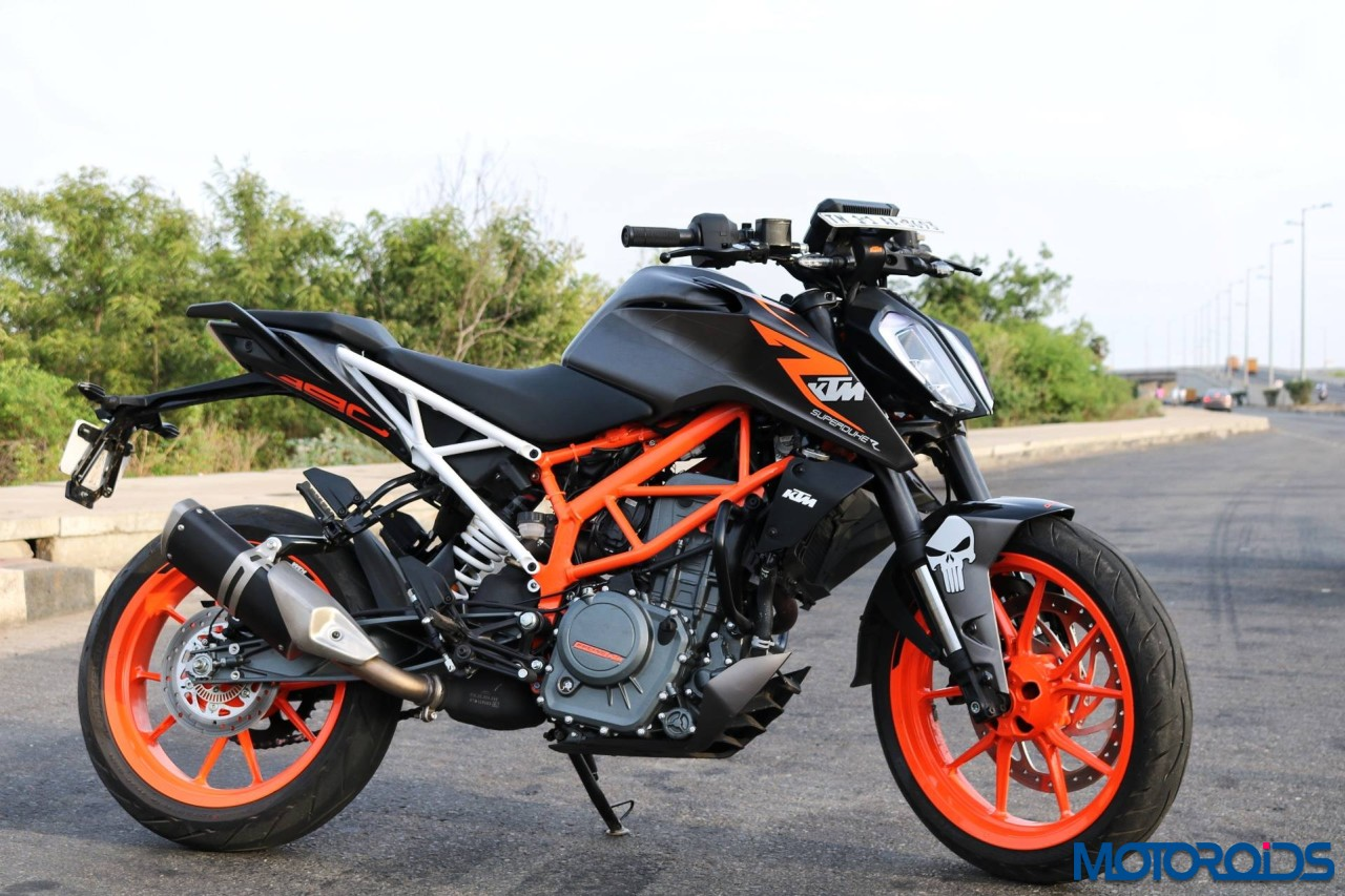 this modified 2017 ktm 390 duke with a matte black wrap. Black Bedroom Furniture Sets. Home Design Ideas