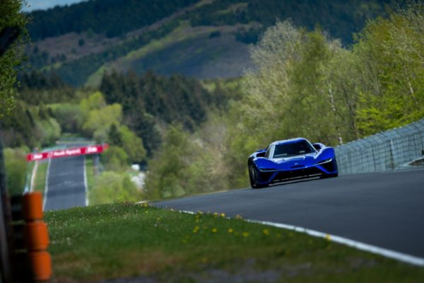NIO-EP9-set-a-new-lap-record-at-the-Nurburgring-Nordschleife-1-600x400