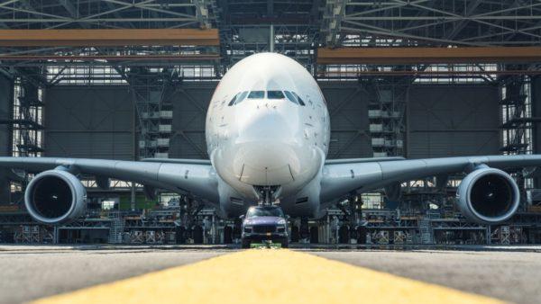 Porsche-Cayenne-Tows-Air-France-Airbus-A380-World-Record-4-600x338