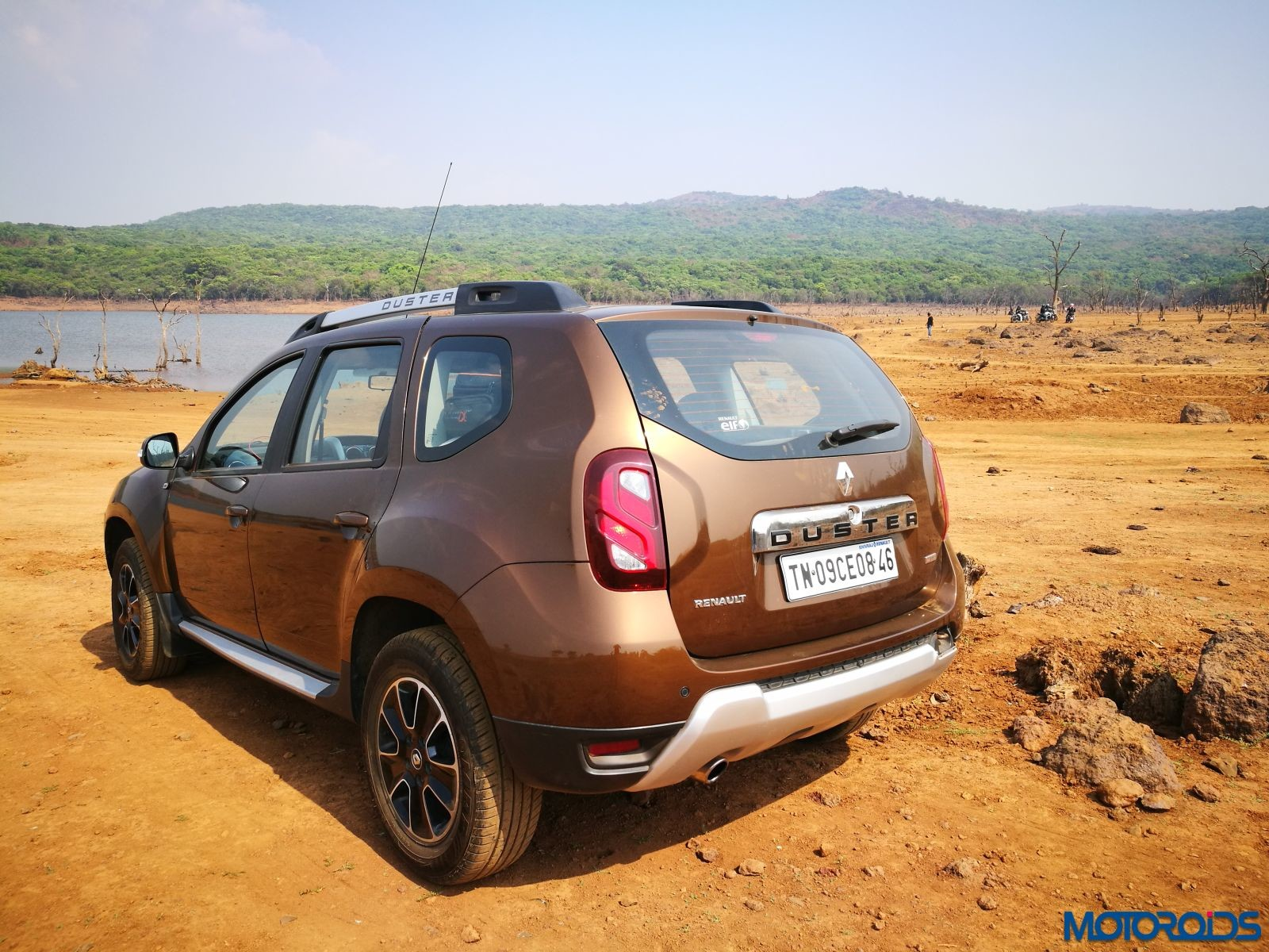 renault duster 1 5 dci diesel amt easy r what makes this soft roader stand out motoroids. Black Bedroom Furniture Sets. Home Design Ideas