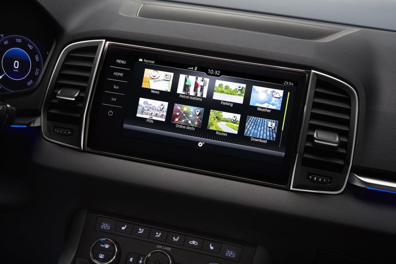 Skoda-Karoq-compact-SUV-interior-2-1