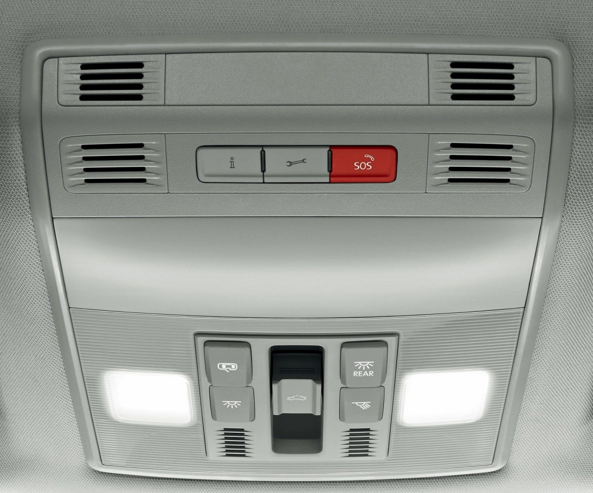 Skoda Superb To Get New Equipment - automatic emergency call as additional security