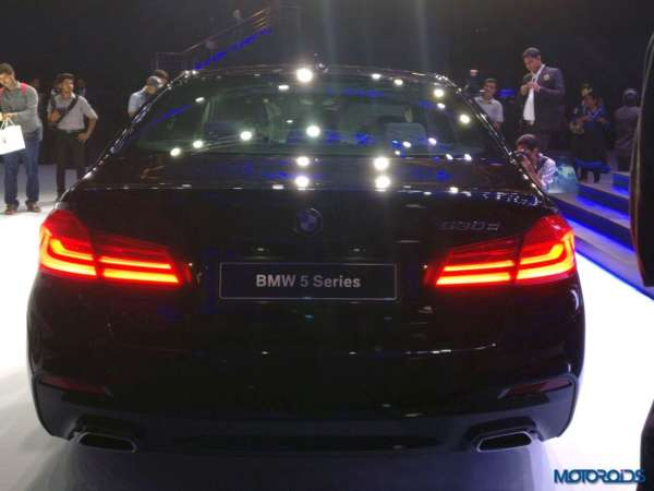 2017-BMW-5-Series-India-launch-520i-rear-profile-600x450