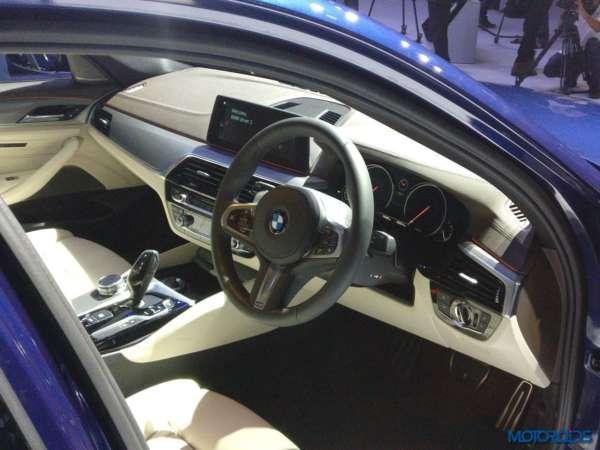 2017-BMW-5-Series-India-launch-520i-steering-wheel-600x450