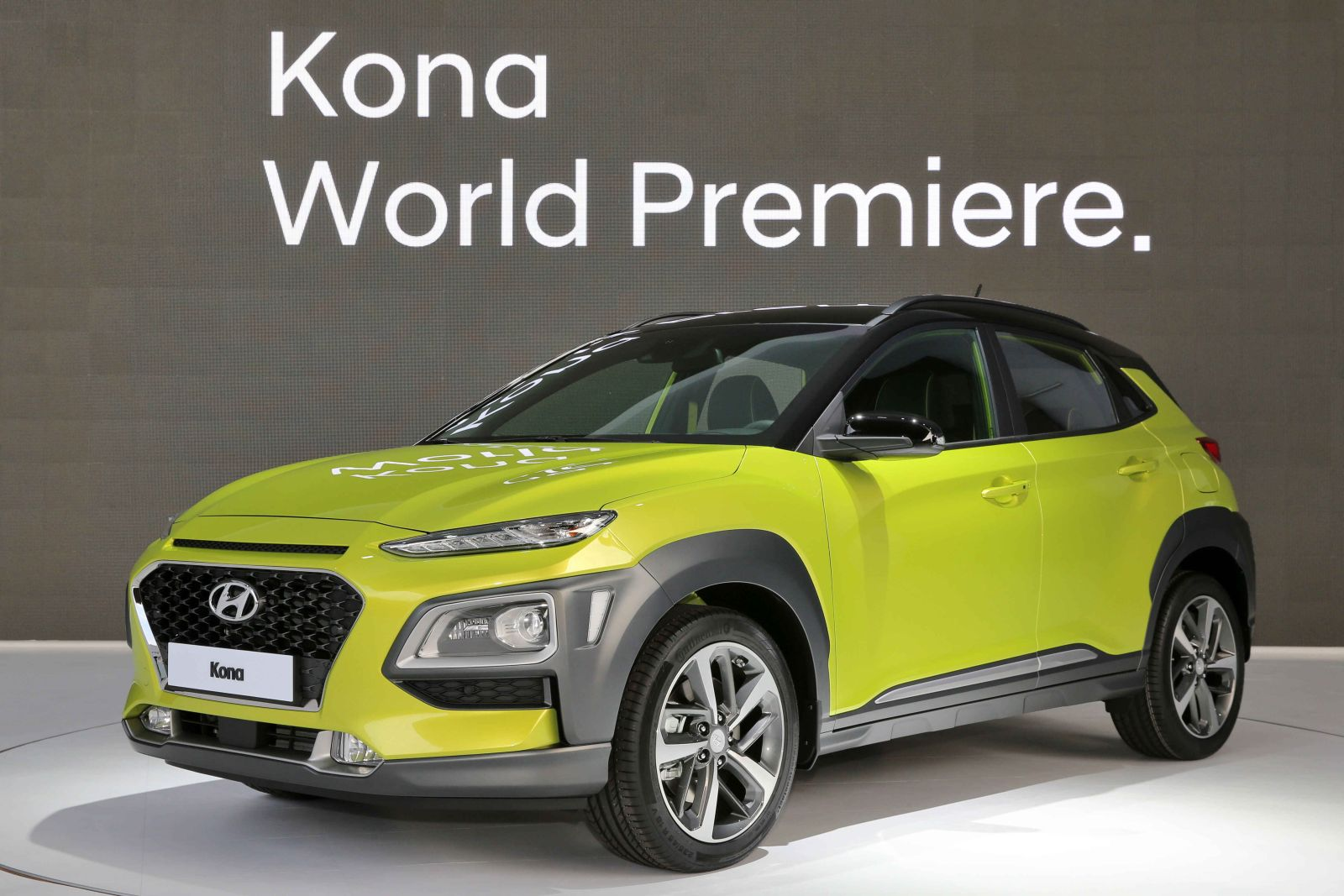 all new hyundai kona b segment suv unveiled motoroids. Black Bedroom Furniture Sets. Home Design Ideas