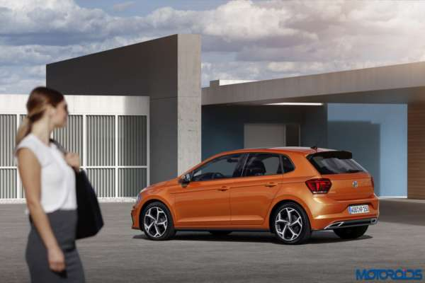 All-New-2017-Volkswagen-Polo-Polo-R-Line-6-600x400
