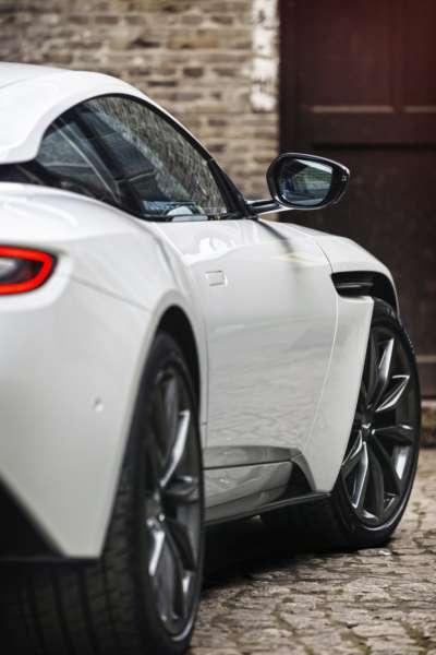 Aston-Martin-DB11-V8-19-400x600
