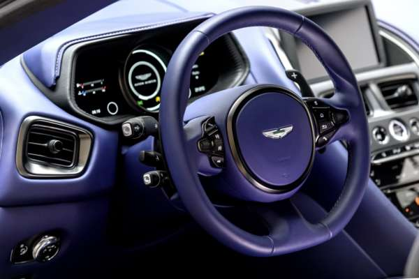 Aston-Martin-DB11-V8-7-600x400