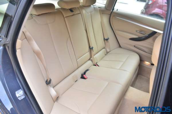 BMW-3-Series-GT-Back-seats-600x398