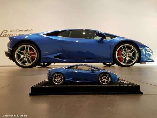 Blue Caelum Lamborghini Huracan scale model