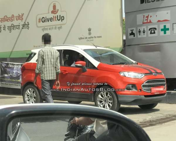 Ford EcoSport Dual Tone spied front profile