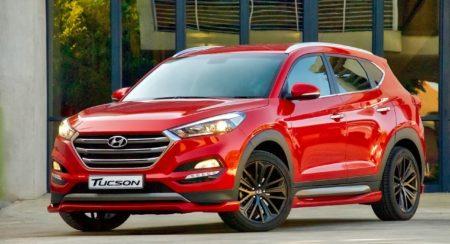 Hyundai Tucson Sport red front