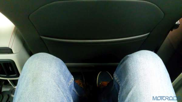 Jeep-Compass-Knee-and-leg-room-600x337