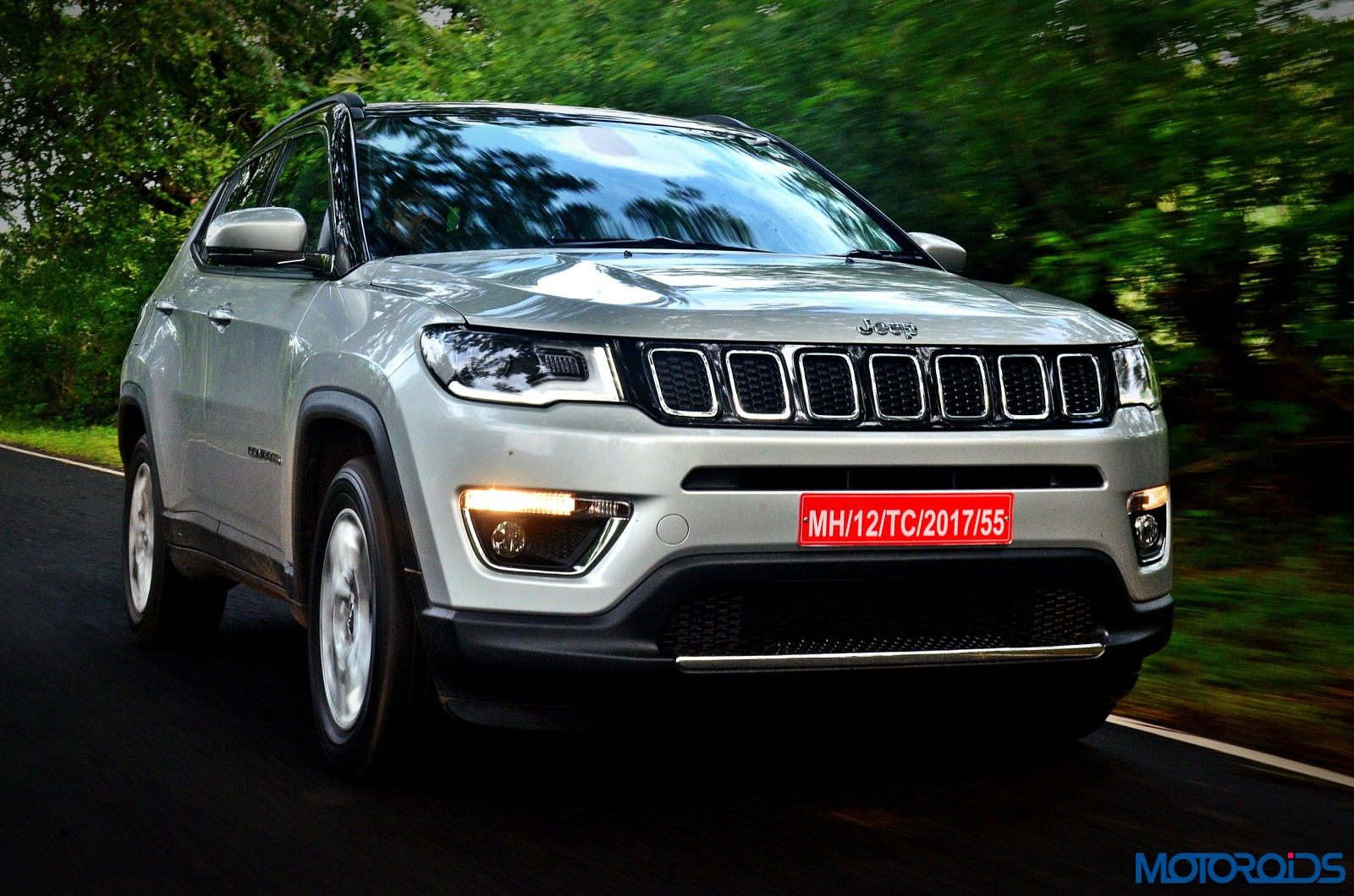jeep compass india review price specs mileage image gallery interior and features motoroids. Black Bedroom Furniture Sets. Home Design Ideas