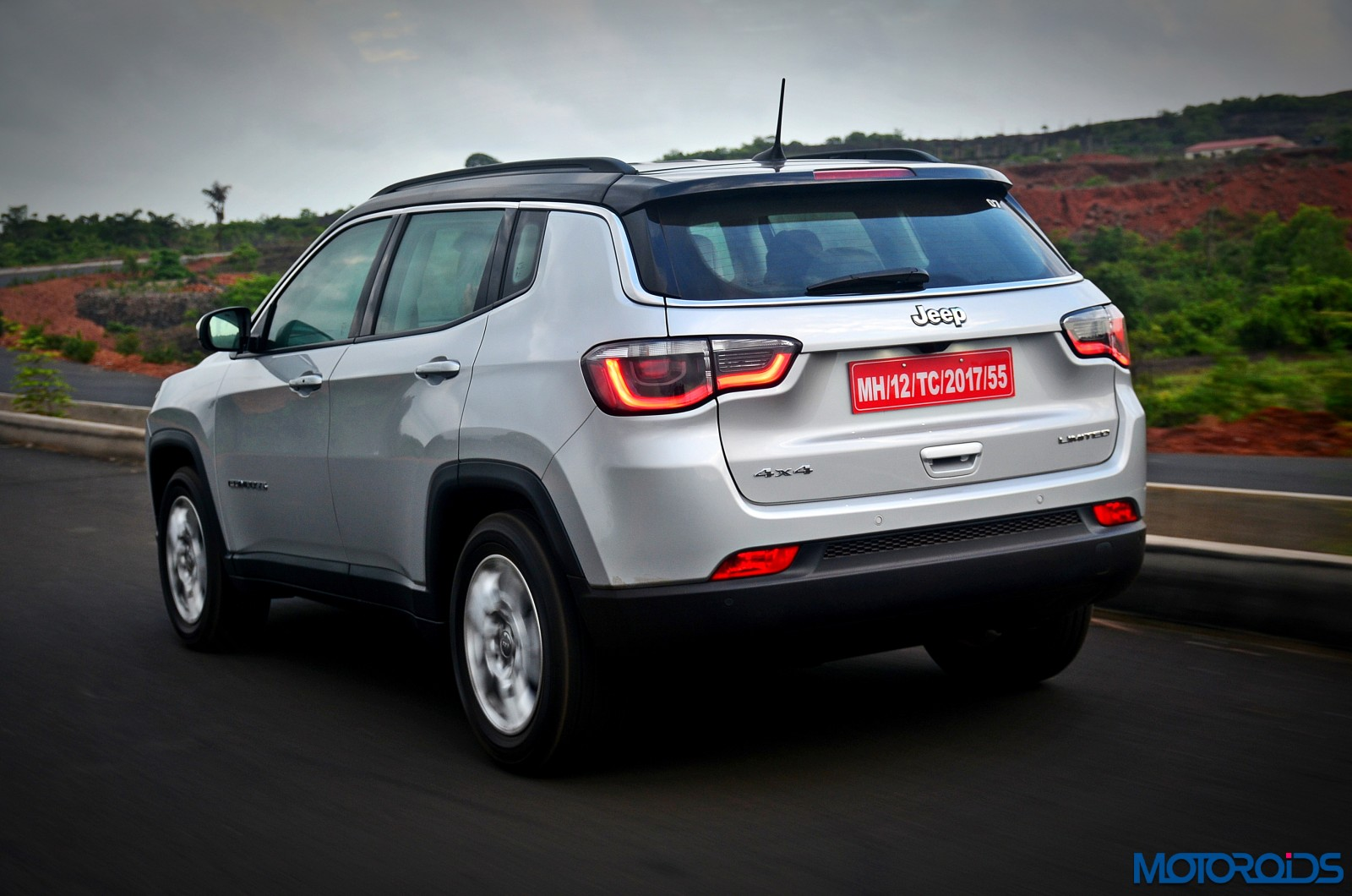 jeep compass india review price specs mileage image. Black Bedroom Furniture Sets. Home Design Ideas