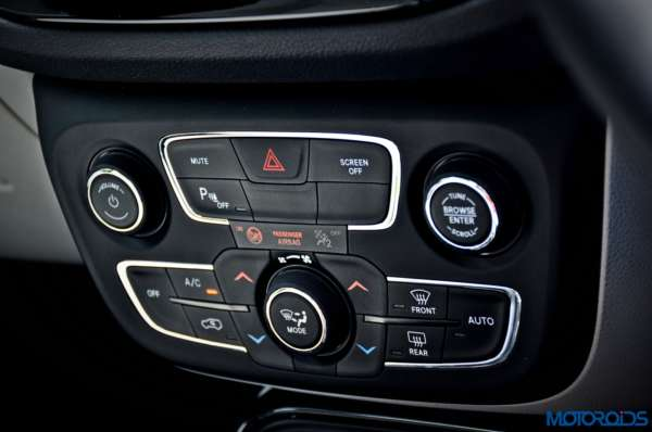 Made-in-India-Jeep-Compass-Review-Interior-shots-36-600x398