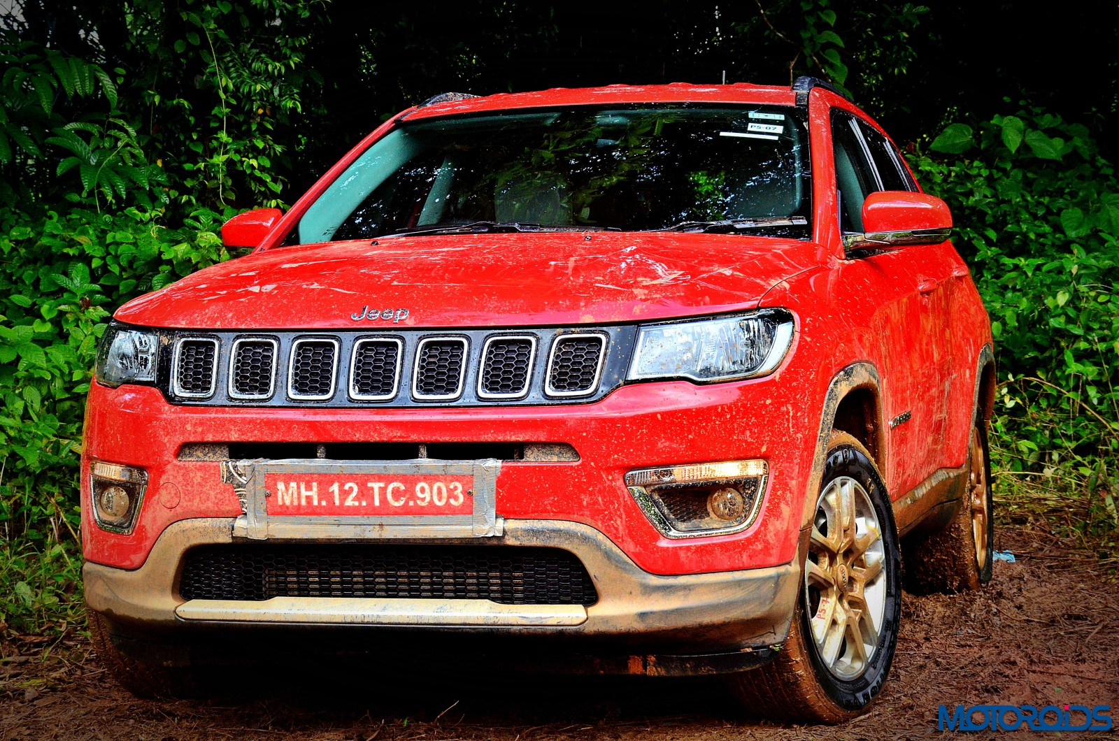 live jeep compass launched in india at inr lakh ex delhi motoroids. Black Bedroom Furniture Sets. Home Design Ideas