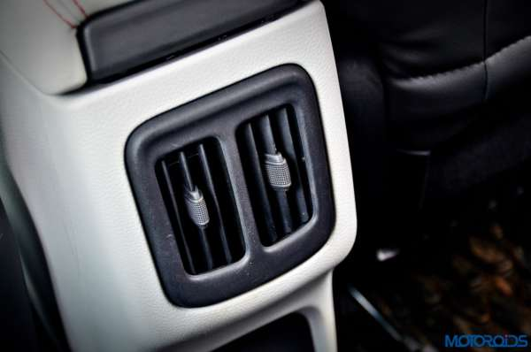 Made-in-India-Jeep-Compass-Review-rear-ac-vent-600x398
