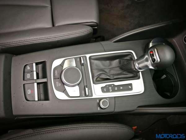 New-2017-Audi-A3-Cabriolet-facelift-MMI-controls-600x450